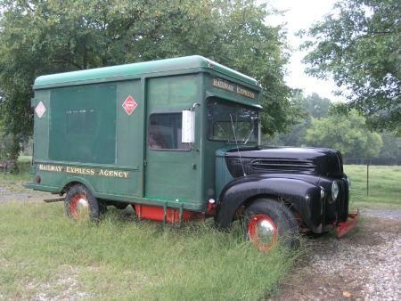 Cc Outtake Chevrolet Advance Design Step Van Step Right Into My Living Room In 2020 Vintage Trucks Antique Trucks Trucks