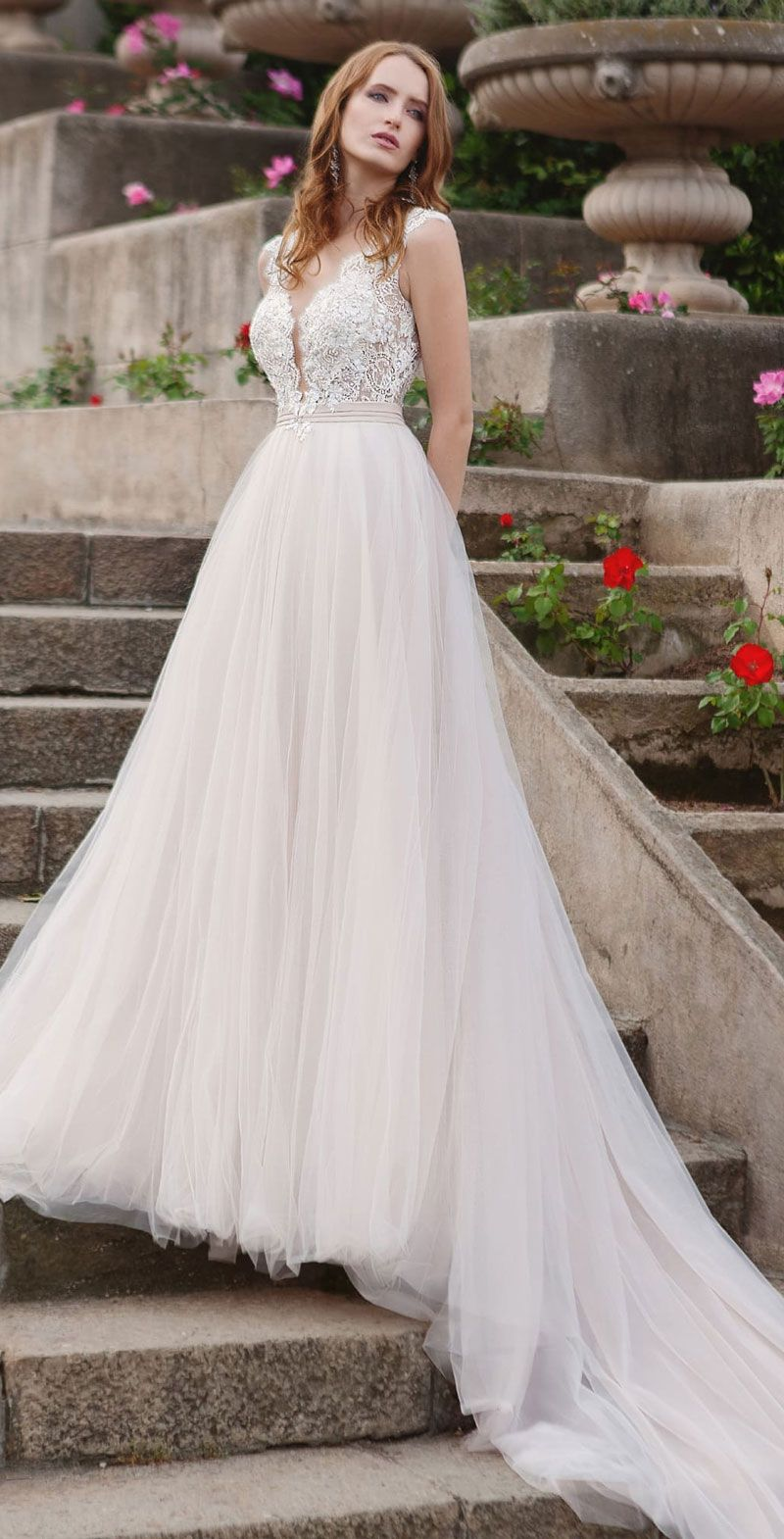 Classic Feminine & Beautiful Wedding Dresses