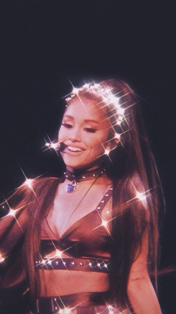 Baby glowen.bright hail to the queen she looks so lumunuss. #arianagrande