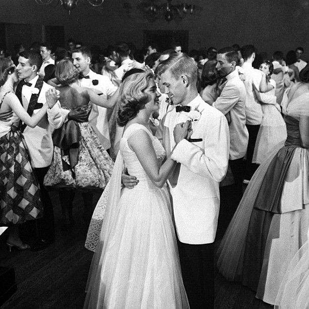 """INK361 - Photo - In 1958, LIFE documented a prom that went on, and on, and on... For 32 hours to be exact. Original caption from LIFE. """"Formal dance held at the Kenwood Country Club was only traditional part of Mariemont's prom."""" Francis Miller—Time & Life Pictures/Getty Images"""