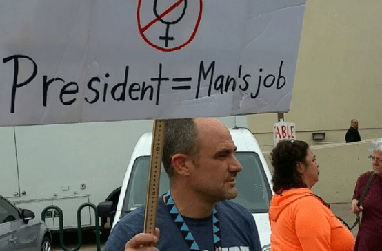 Bernie Sanders supporters rip up man's sexist anti-Hillary sign