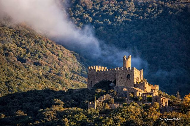 Castell de Requesens, al municipi de la Jonquera, a l'Alt Empordà (Catalunya - Catalonia)