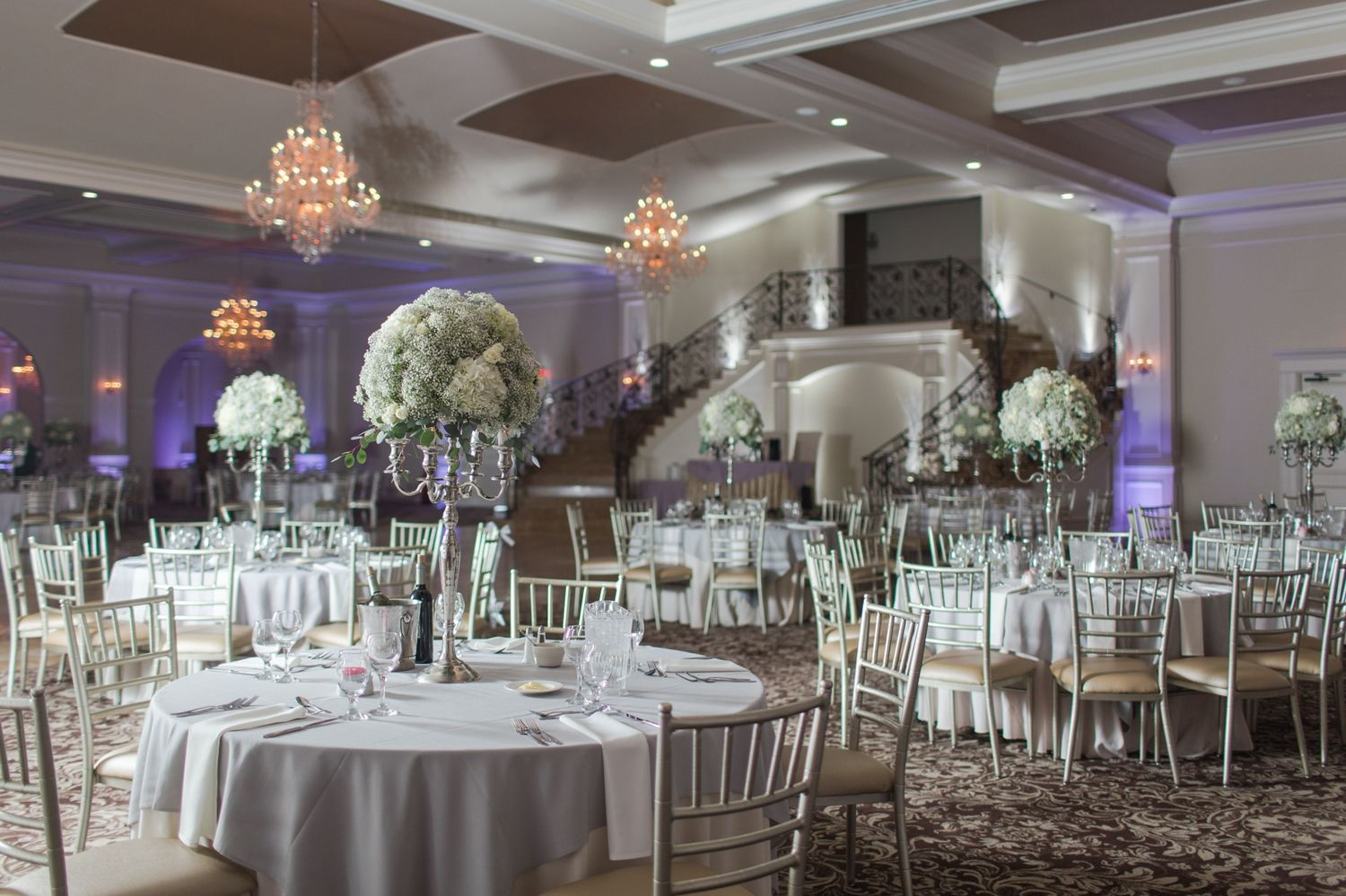 Aria Wedding In Prospect Ct In 2020 Wedding Centerpieces