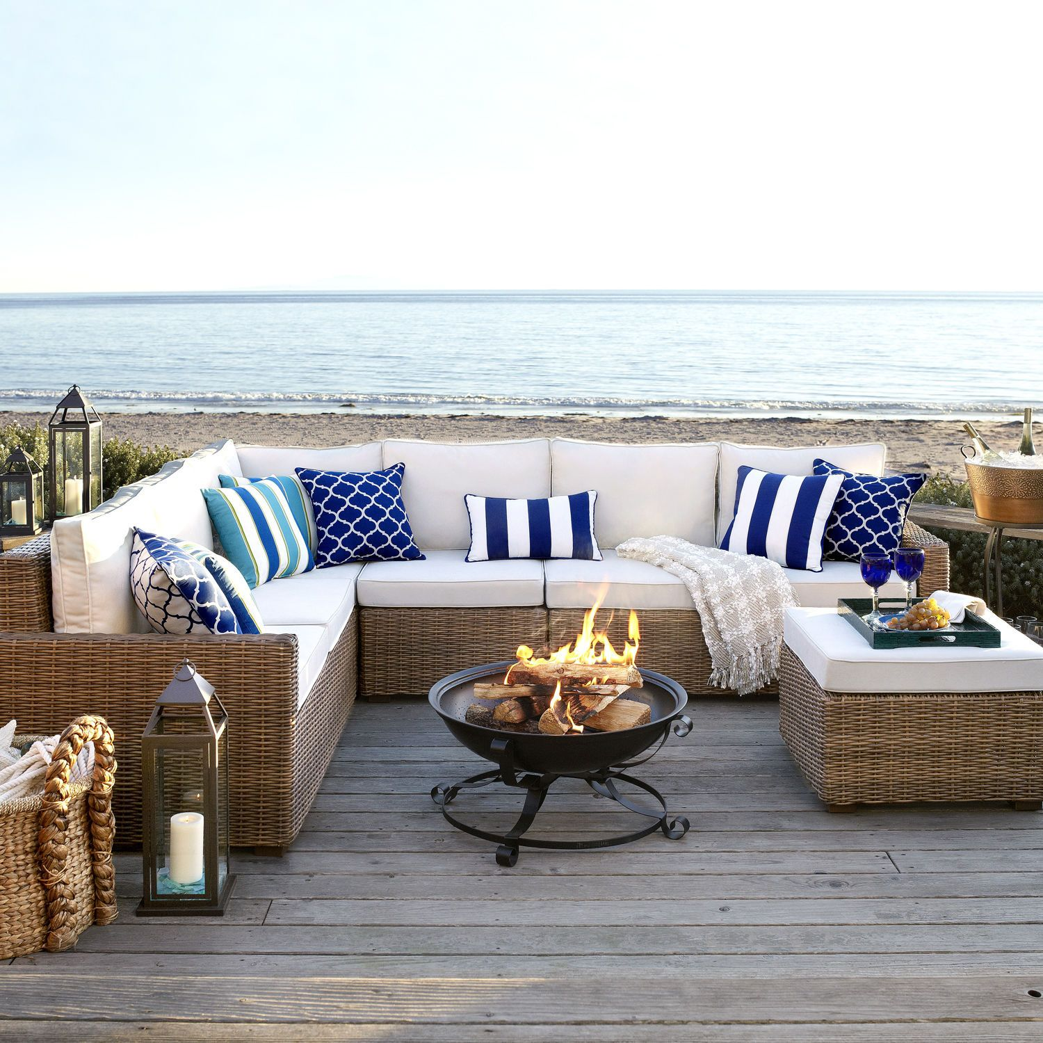 Magnificent Echo Beach Latte 5 Piece Sectional Backyard Deck In 2019 Home Interior And Landscaping Ferensignezvosmurscom