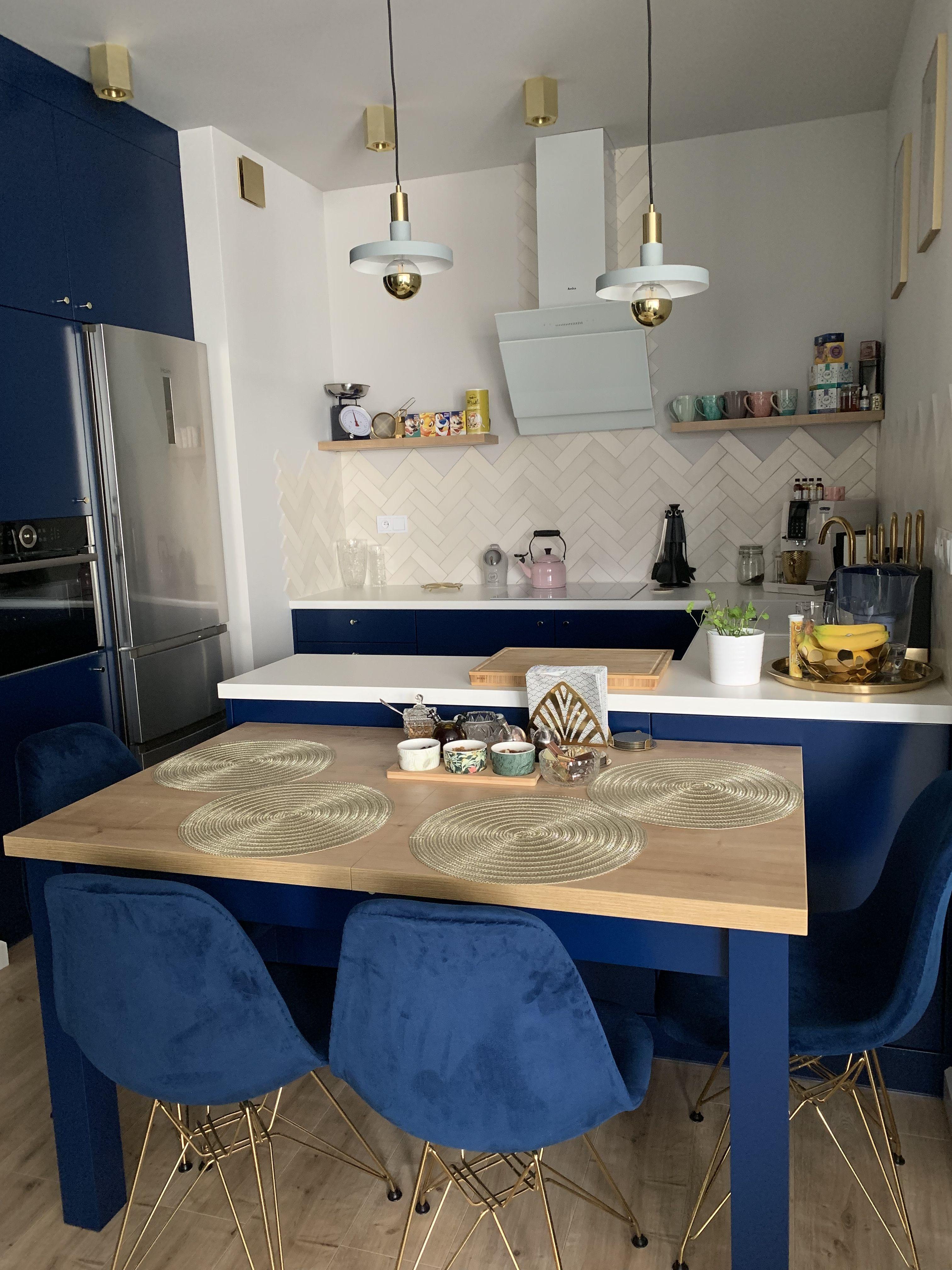 Granat Biel I Zloto W Kuchni Home Decor Decor Design