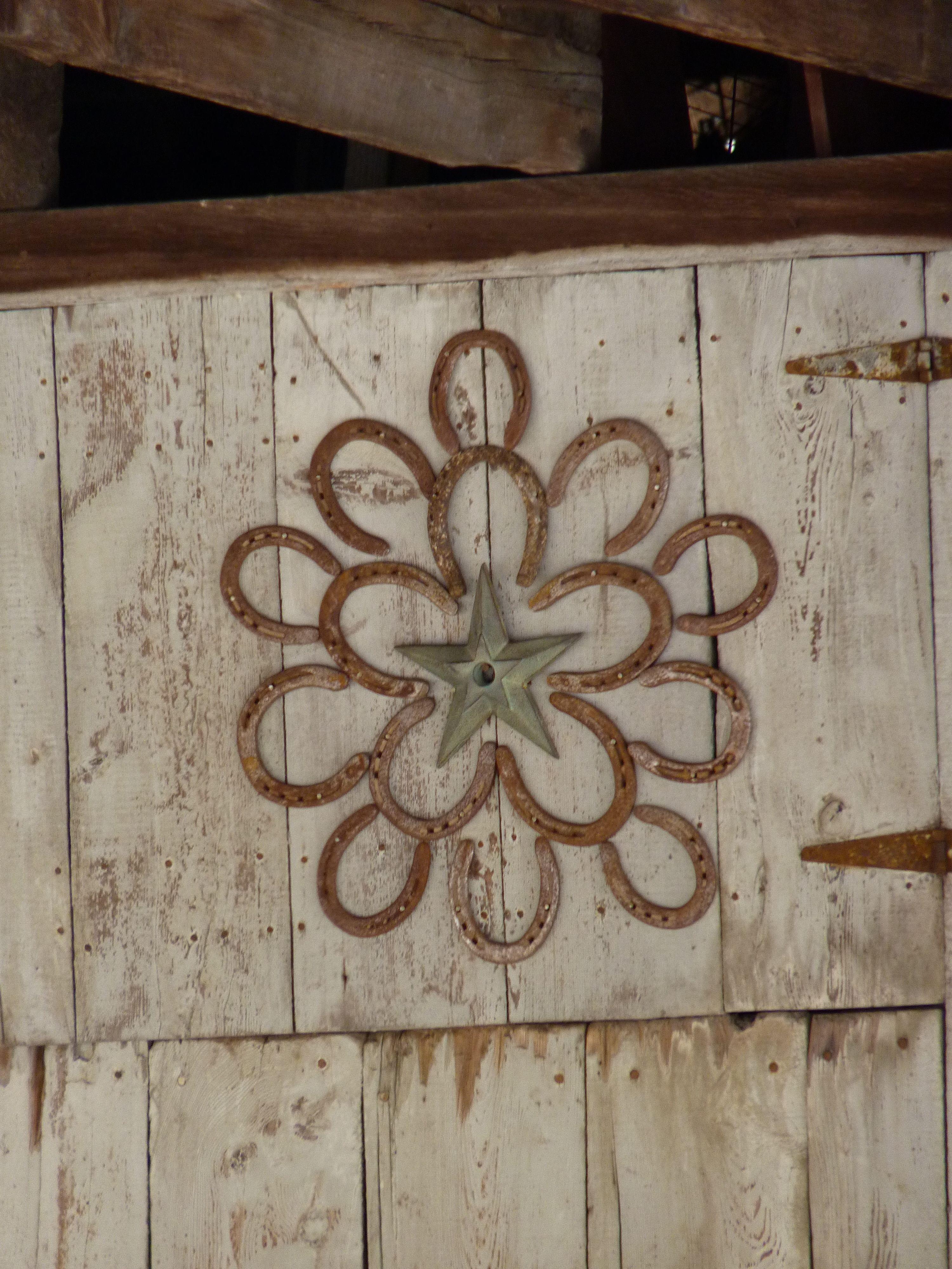 Horseshoe Flower Art