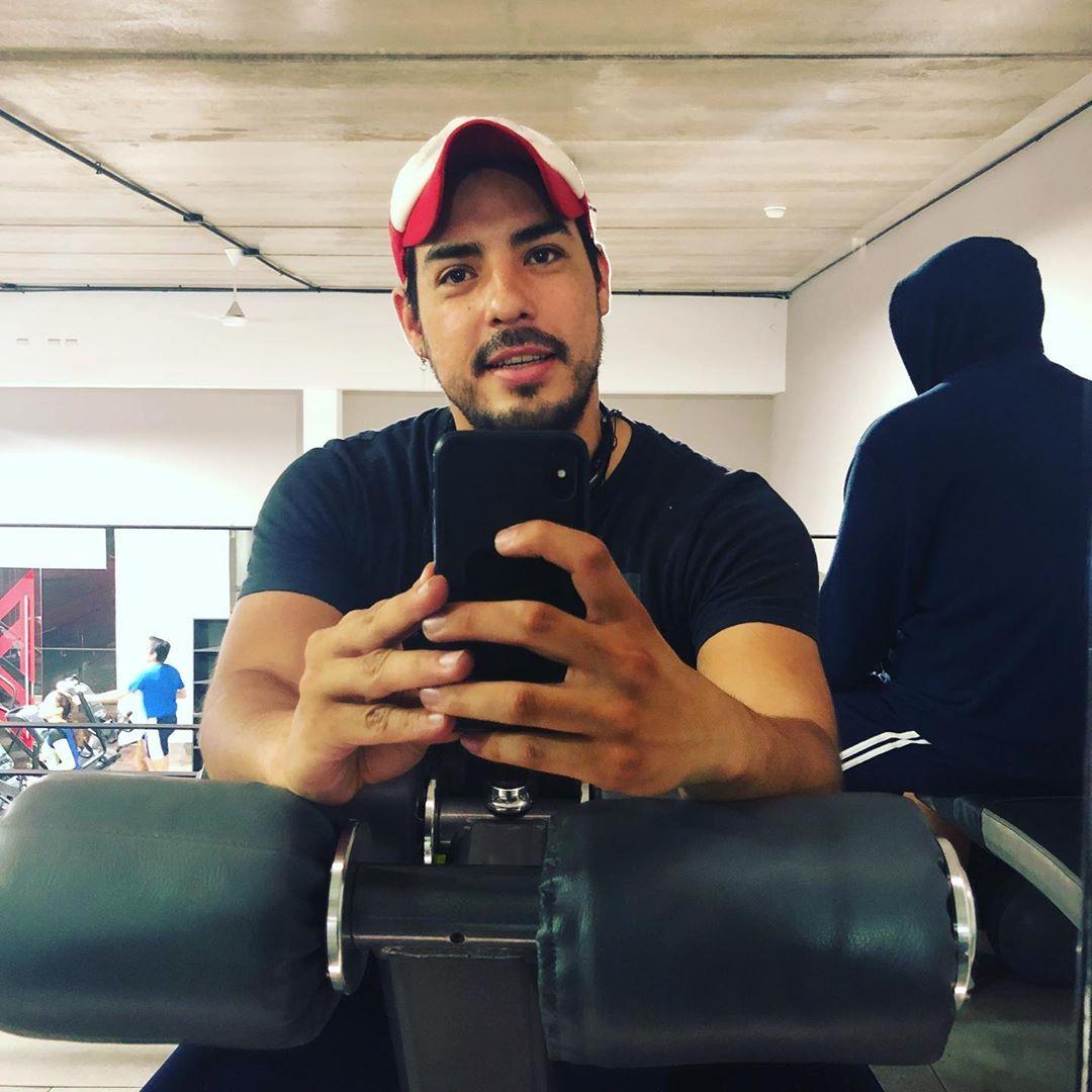 Recuperando figura • • • • • • #me #komptergym #fit #fitness #gym #gymboy ...