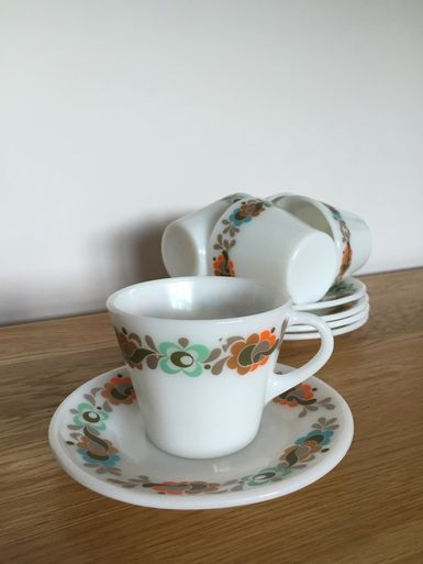 Carnaby Tempo Jaj Pyrex Cups Saucers As You Were Co Uk Vintage