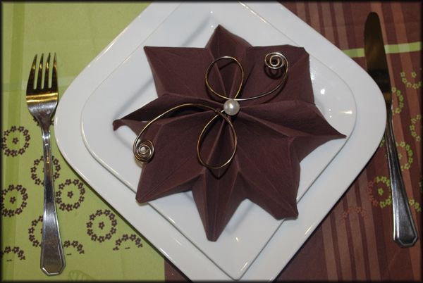 Ft pliage de serviette noel 2010 origami pinterest for Pliage serviette papier noel facile