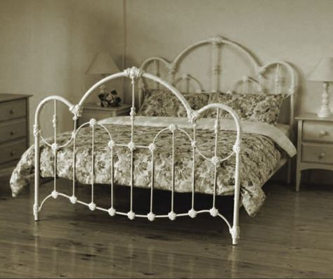 Wansea Queen Size Cast And Wrought Iron Bed Antique White Iron