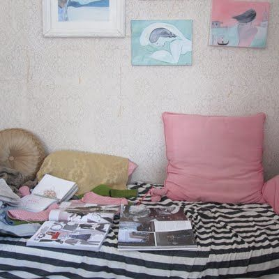 #pink #bed