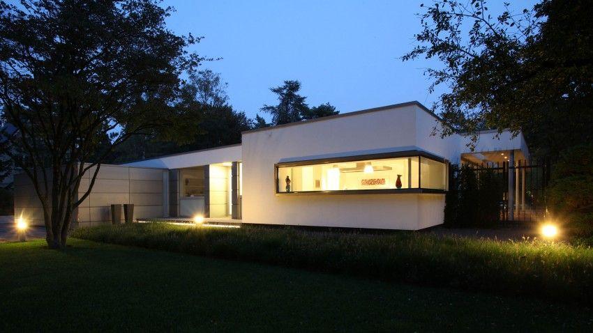 Contemporary bungalow in haelen netherlands by lab architecten
