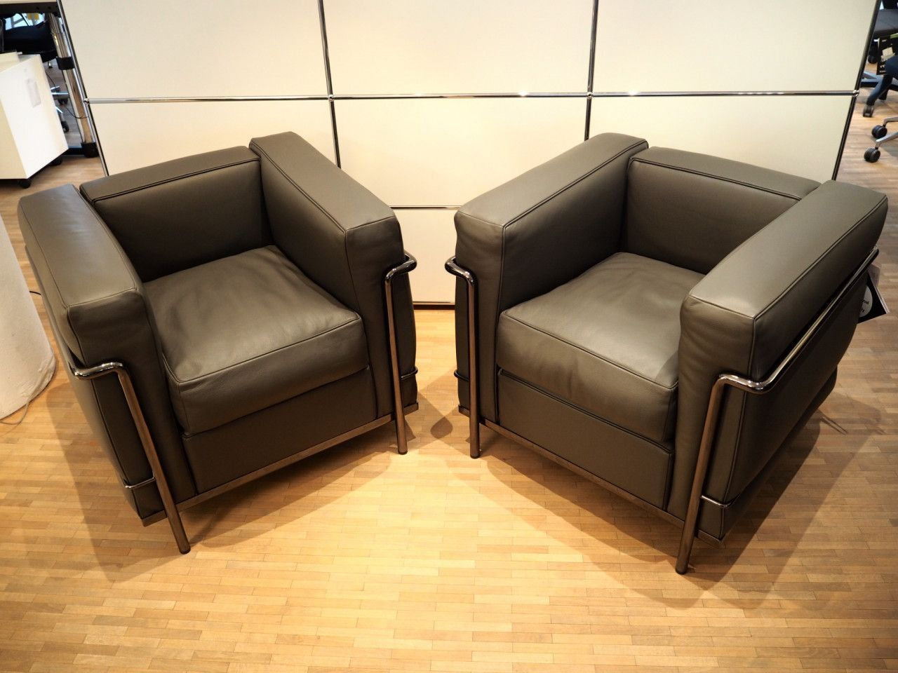 Pin Auf Sofas Sessel Stühle