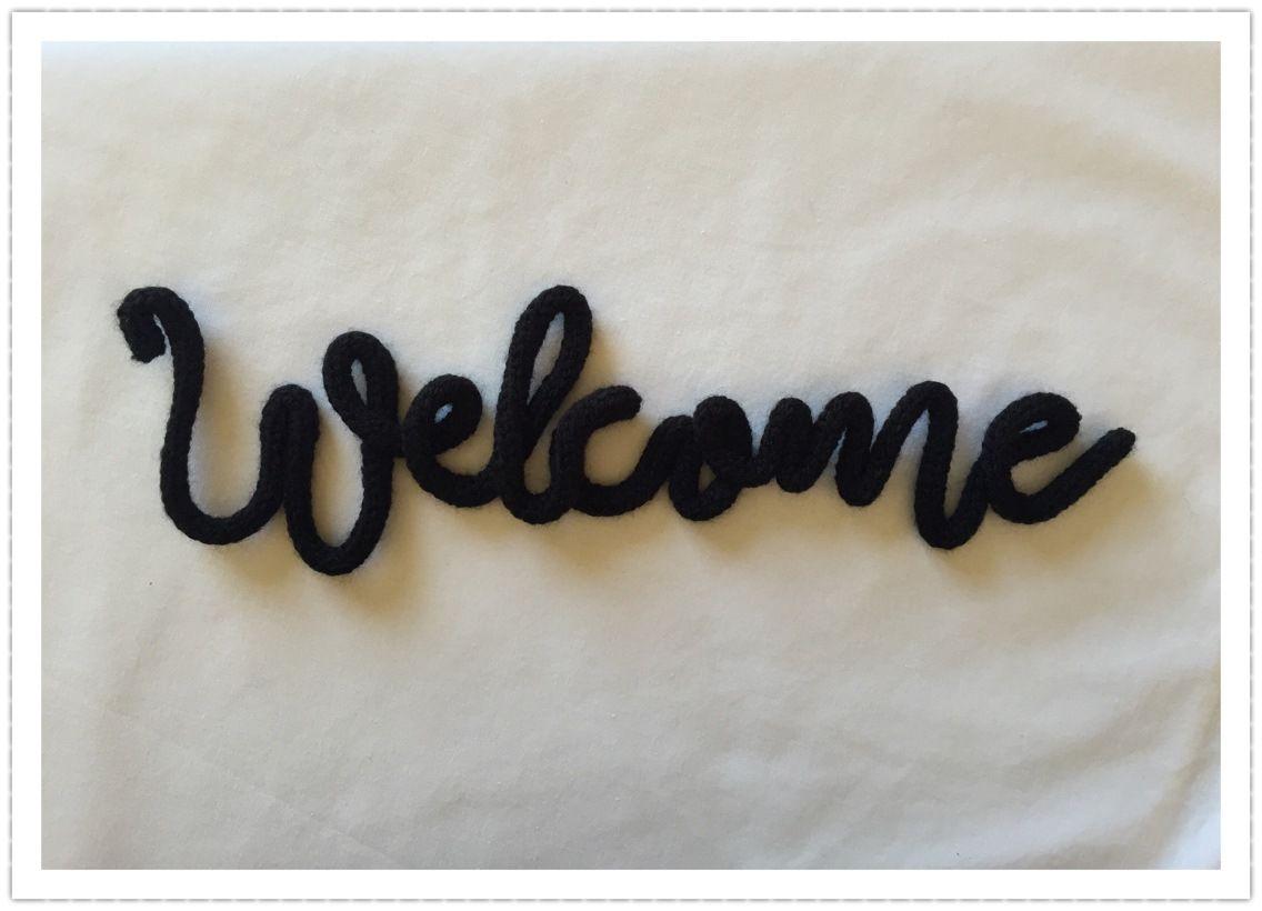 welcome en laine et au tricotin d coration murale. Black Bedroom Furniture Sets. Home Design Ideas