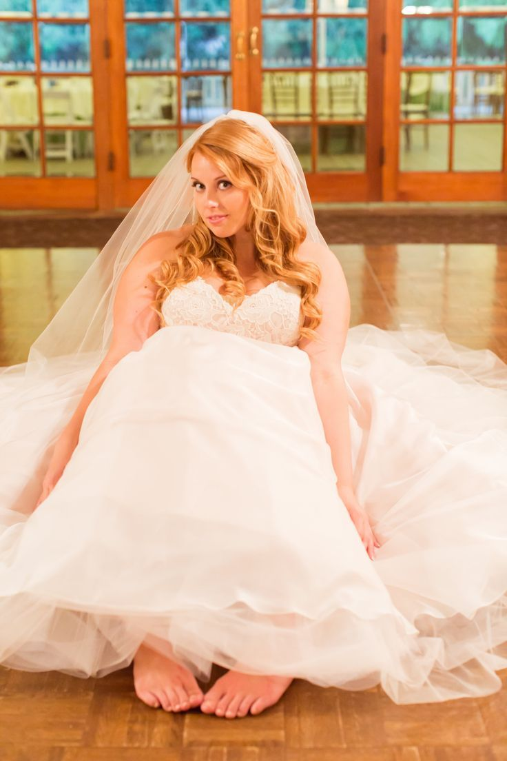 Curvy Bride - Brautmoden Mitzi