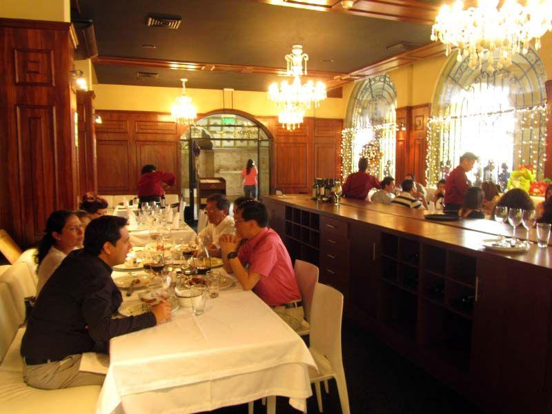 Más de El 10 Carnes y Vinos de Plaza de Armas de Lima es especialista en comida argentina, española y peruana. Descubre más en: http://www.placeok.com/comida-gourmet-el-10-carnes-y-vinos-lma/