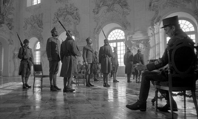 Fotograma de Senderos de gloria (1980)