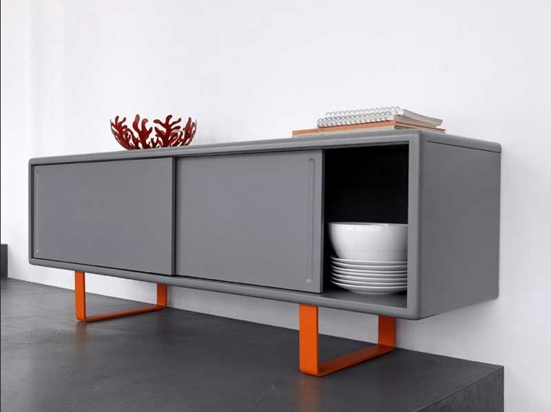 sideboard metall grau lackiert mit zwei schiebet ren und orange stahlbeine f r stilvolle retro. Black Bedroom Furniture Sets. Home Design Ideas