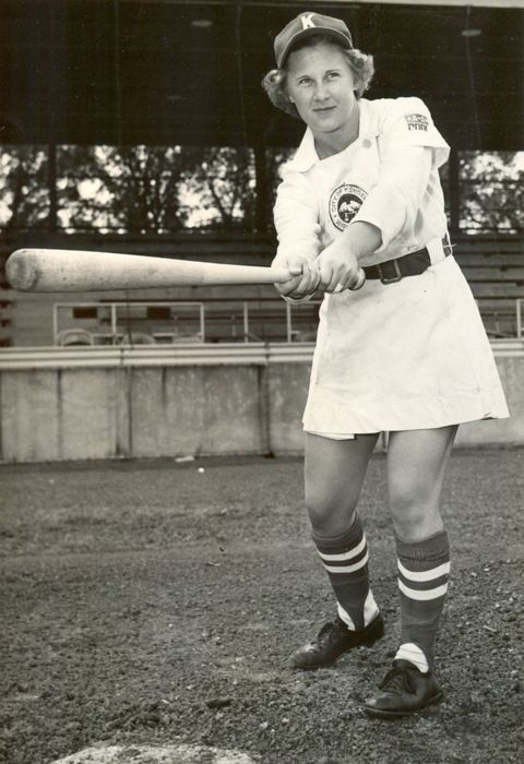 Obit Of The Day When Joan Jaykoski Graduated High School She Was Immediately Signed By The Kenosha Wi Baseball Girls American Baseball League Gameday Outfit