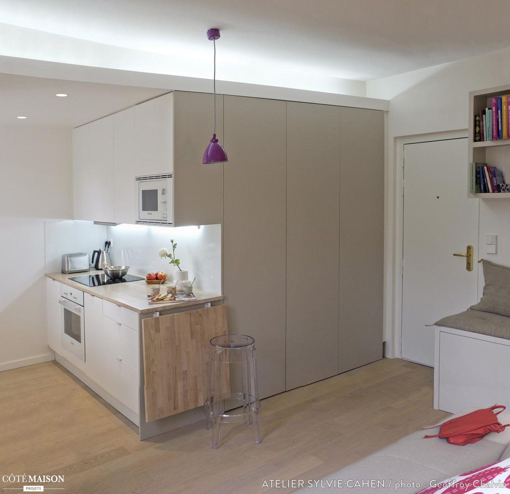 une petite cuisine fonctionnelle moderne fra che avec table up down pour coin repas. Black Bedroom Furniture Sets. Home Design Ideas