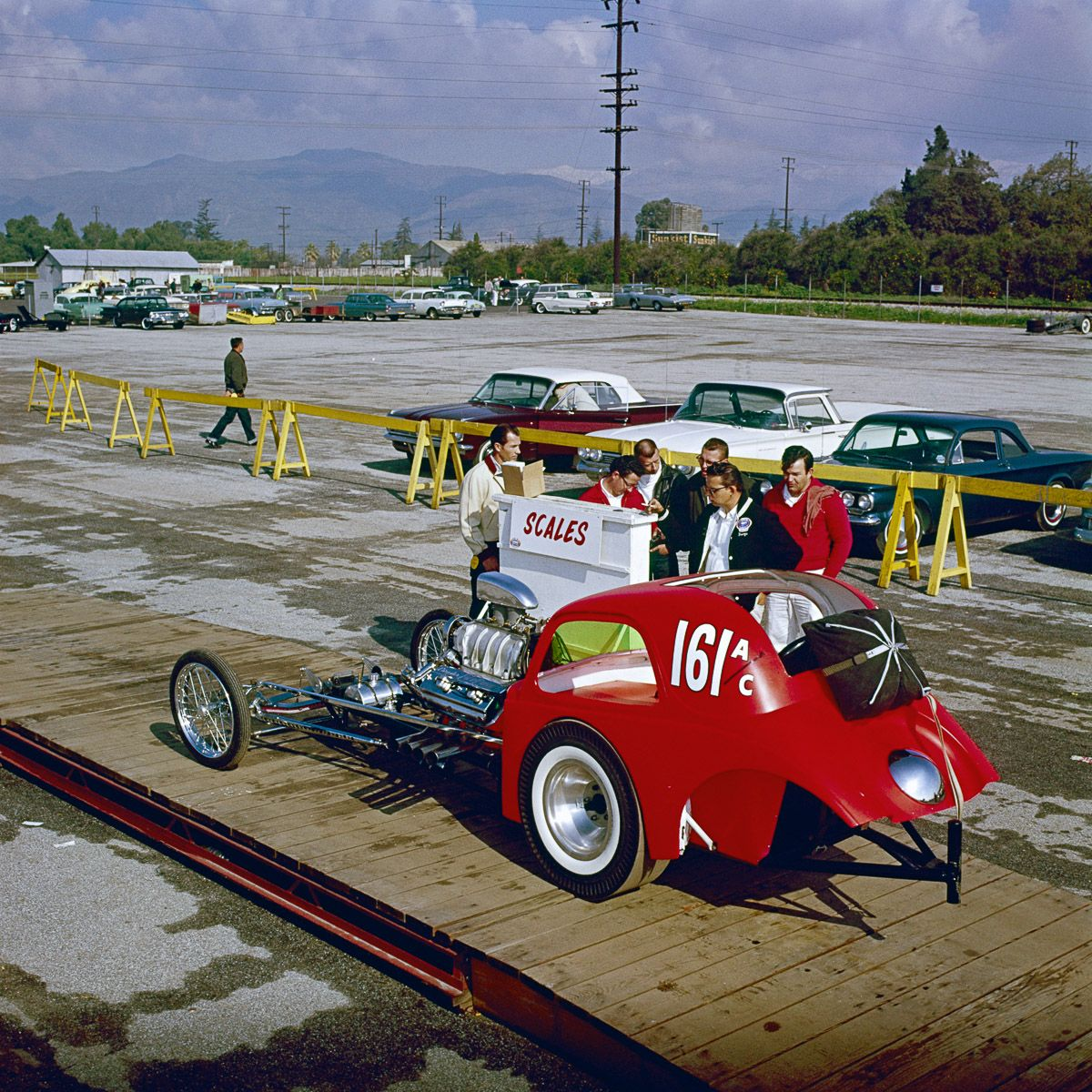 This 1962 drag race looks like a movie set