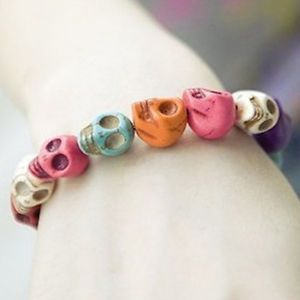 Fashion Punk-style Colorful Stretchy Skull Heads Bracelet