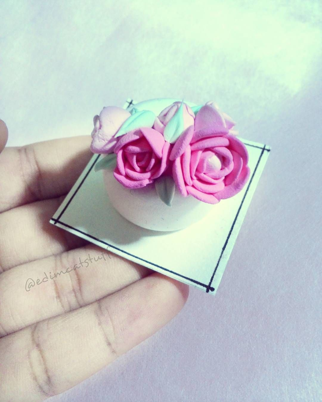More pics of it tomorrow  . . . . #flowercakes #flowercake #cake #clay #miniature #food #cute #handmade #inspiration #diy #followme #likesforlikes #like4like by edimcatstuff