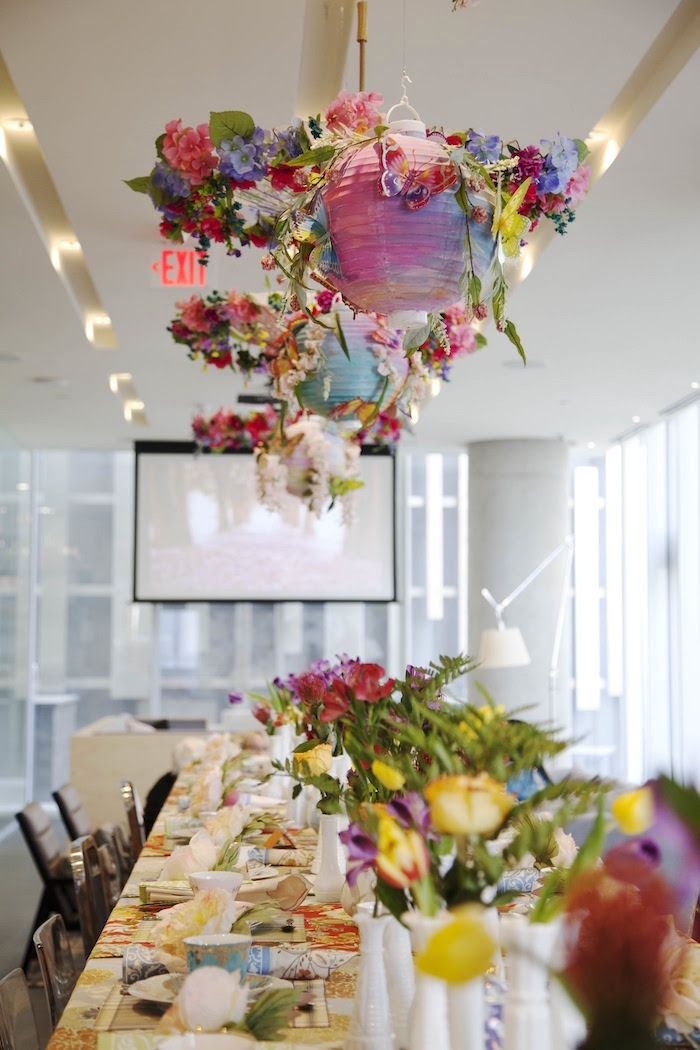 bridal shower teparty decorations%0A Guest tablescape from a Garden Tea Party Bridal Shower on Kara u    s Party Ideas    KarasPartyIdeas