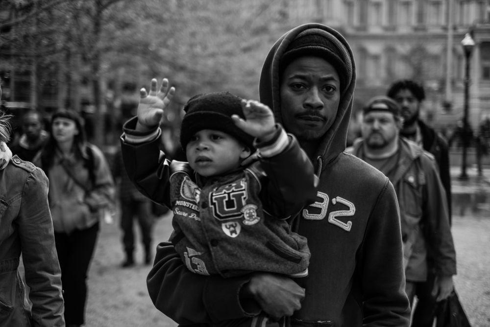 Manifestazioni a Baltimora. La foto è stata pubblicata sul profilo Instagram di Allen l'11 settembre 2014 col titolo Fighting for the future. - Devin Allen