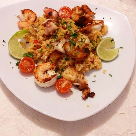Paella with Shrimps and Lime