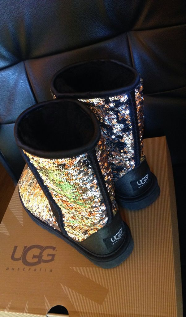Sparkly UGGS | Sparkly uggs, Ugg boots