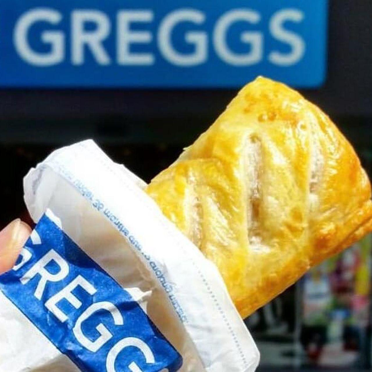 Vegan Sausage Rolls Help Greggs Top 1 Billion Sales Vegan Sausage Vegan Sausage Rolls Sausage Rolls