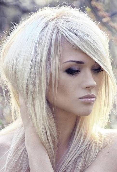 Shaggy Platinum Blonde Hairstyles With Side Bangs For Straight Hair Hair Styles Platinum Blonde Hair Long Hair Styles