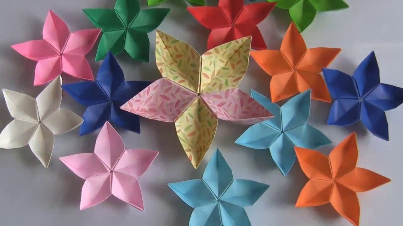 How To Make A Decorative Flowers Flower Crafts Flower And Craft
