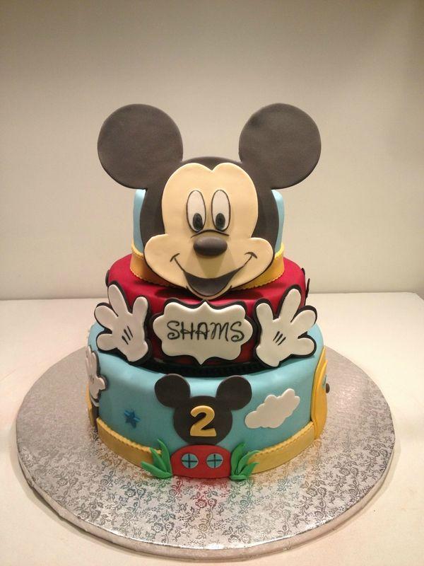 gâteau à étages mickey | pate à sucre | pinterest | Étages, gâteau