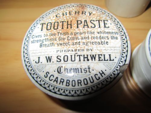 J.W. Southwell, Scarborough Cherry Tooth Paste Pot Lid