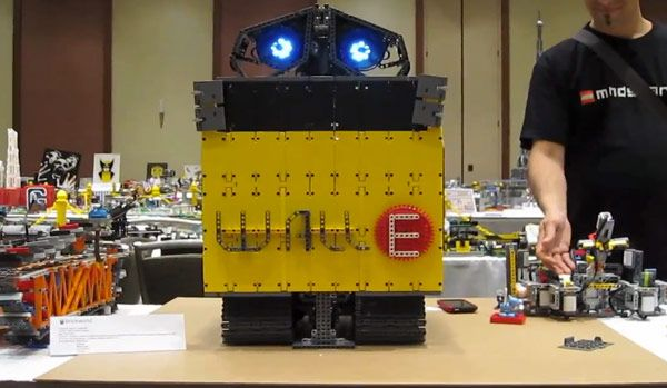 Wall-E gets a LEGO Mindstorms NXT makeover, tears up the dance floor ...