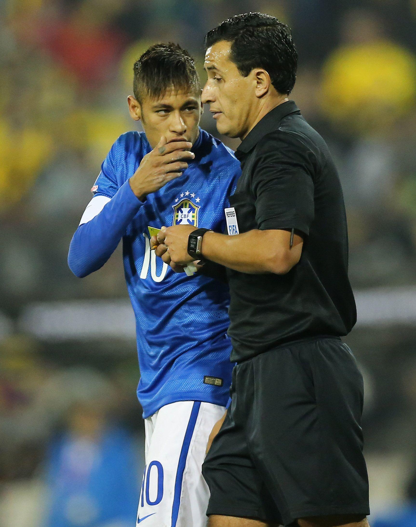 """""""Qué pasa?"""" Atitudes revelam descontrole de Neymar na Seleção #globoesporte"""