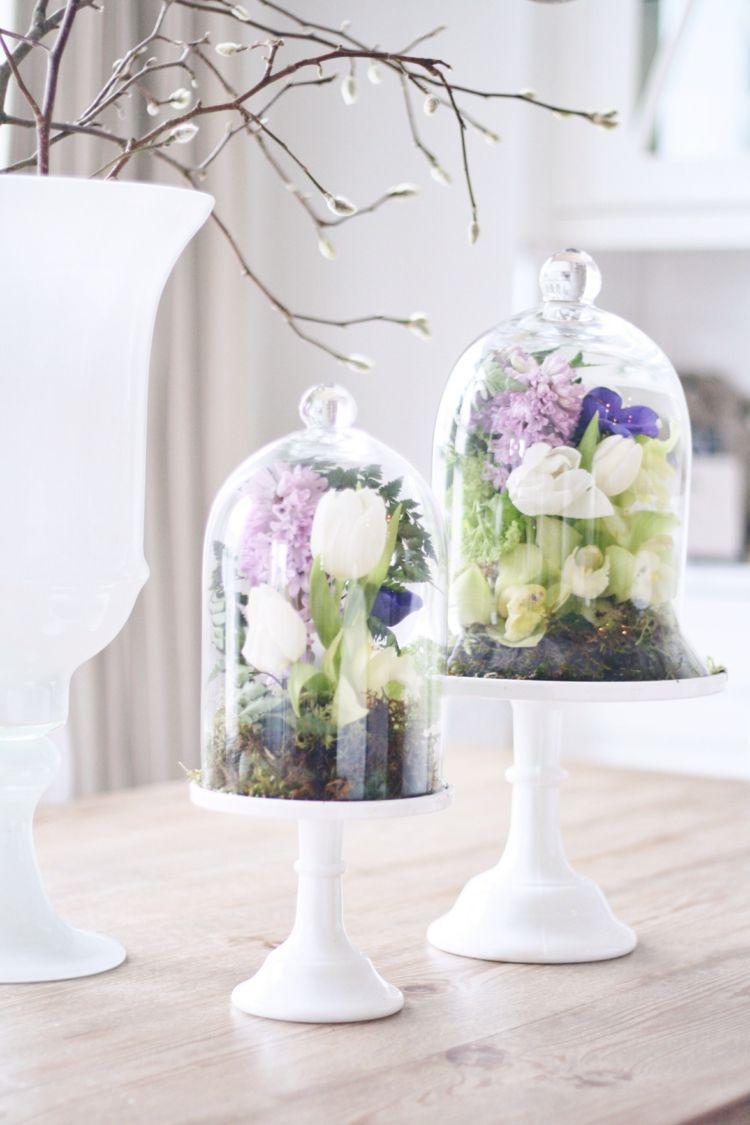 Glasglocke Dekorieren Frühlings Deko Ideen Weiss Tulpen Lila Hyazinthen  Orchideen Farne