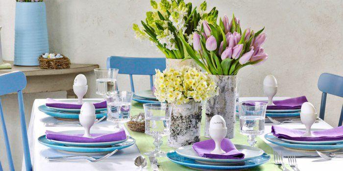 Tischdeko frühlingsblumen  festliche tischdeko ostern frühlingsblumen tulpen lila blau nest ...