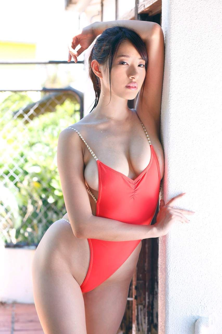 japanese busty pool in yuka the