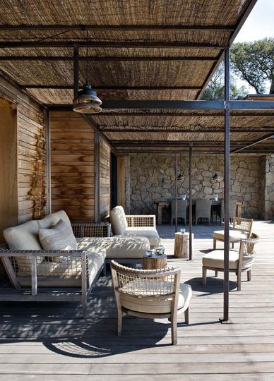 13 photos de terrasses fa on jardin vert pergola for Idee casa rustica