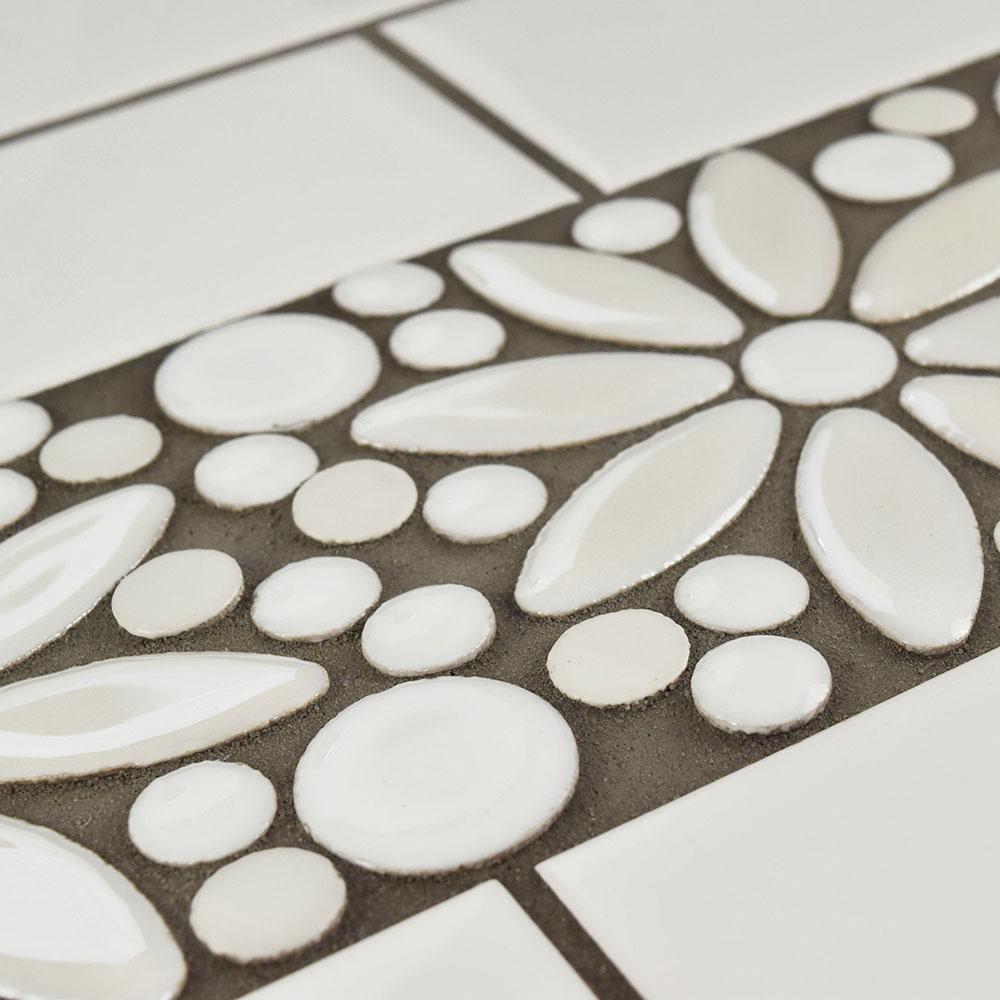 Merola Tile Galaxy Flower White 4 1 4 In X 12 3 4 In X 9 Mm