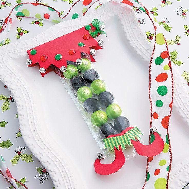 Candy elf christmas favor idea make your christmas even sweeter candy elf christmas favor idea make your christmas even sweeter with this diy candy favor solutioingenieria Image collections