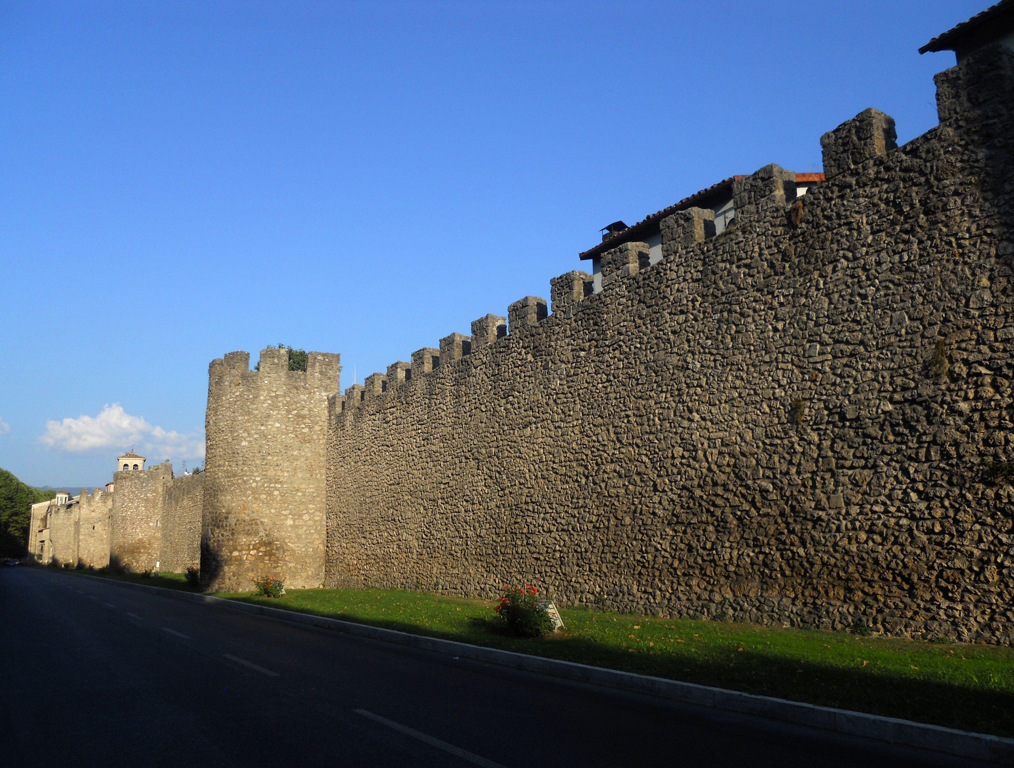 Rieti Mura di Rieti tra porta Conca e porta d'Arci