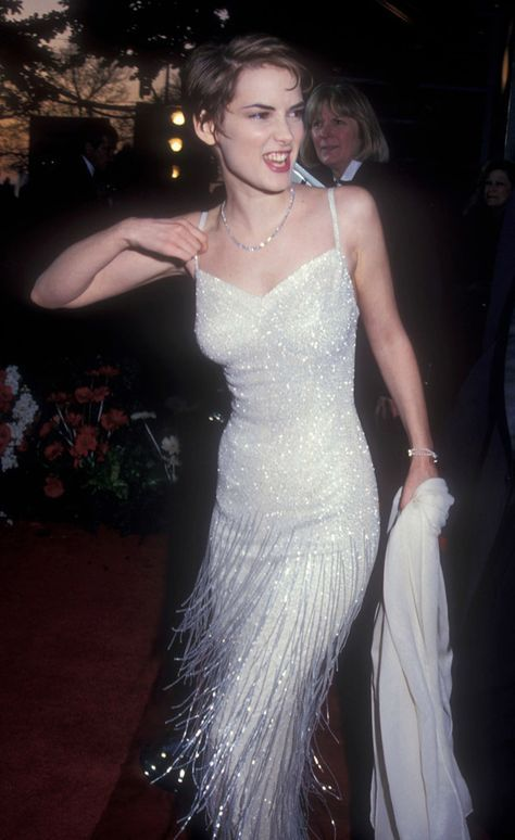 Red carpet photos that are so 90s it hurts