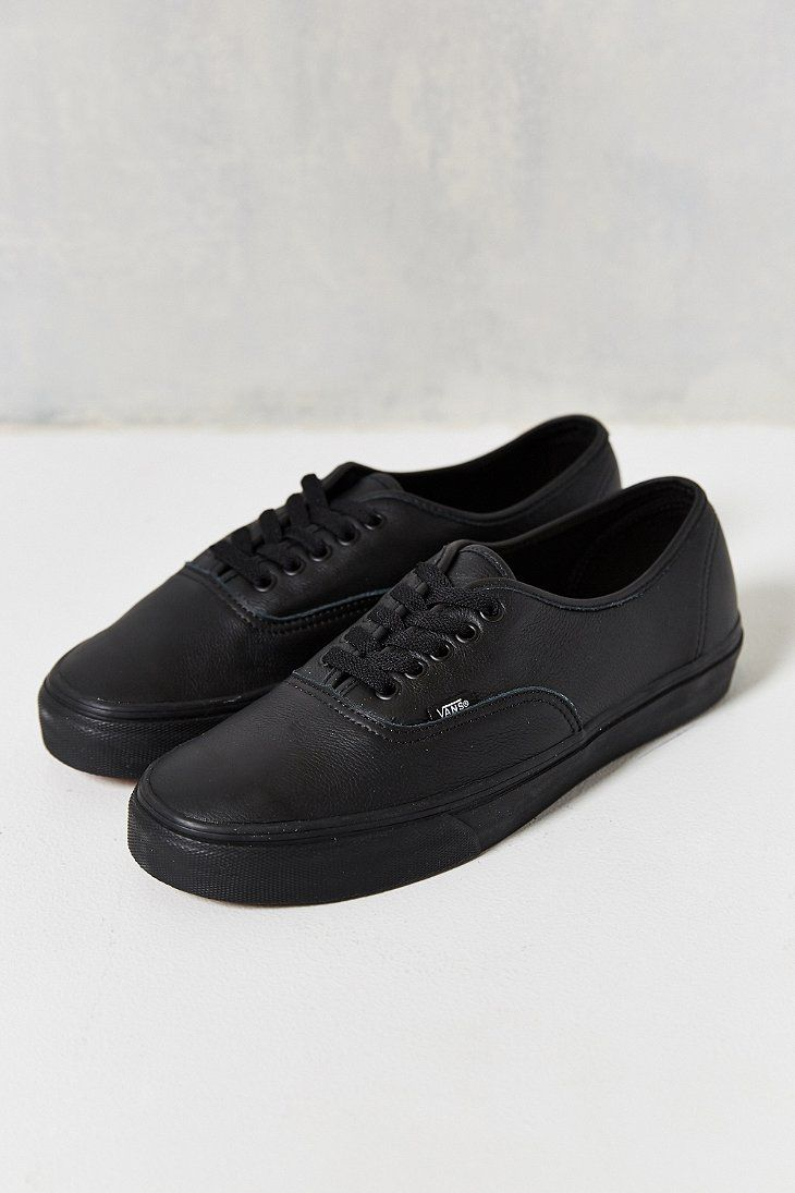 Italian Black• Authentic Vans SneakerAll• Leather Monochromatic QroeWdCBx