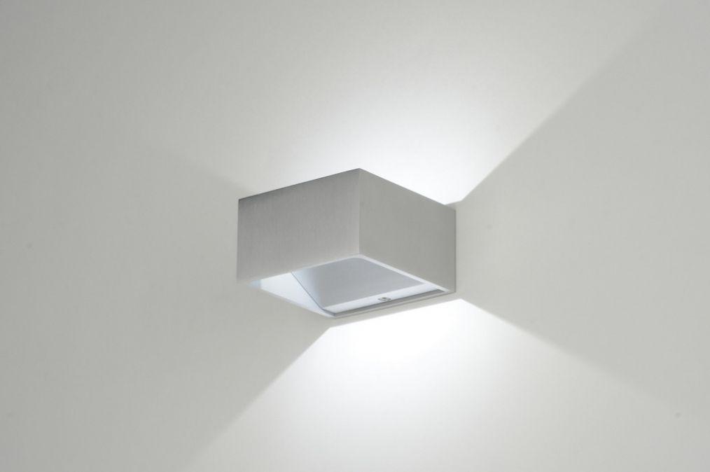 Design Wandverlichting Badkamer : Wandlamp modern design aluminium vierkant badkamer