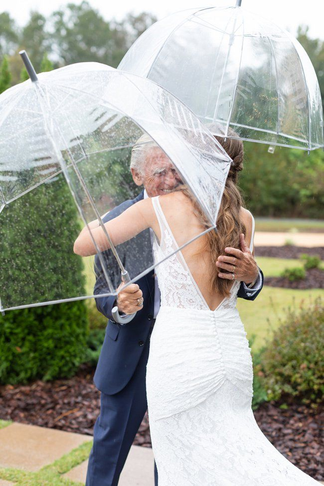Tips for a Rainy-Day Wedding | What To Do if it Rains on your Wedding Day