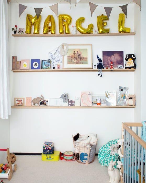 Julie, Paris 11ème - Inside Closet leetle dwellers Pinterest